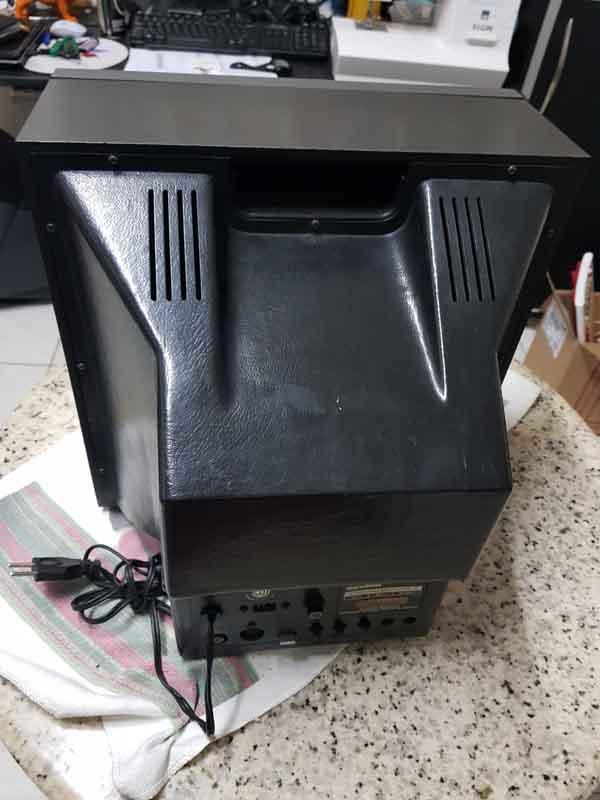 monitor-mbw-12-back Casemod Monitor  Mbw-12 Gradiente com Monitor Samsung 510N